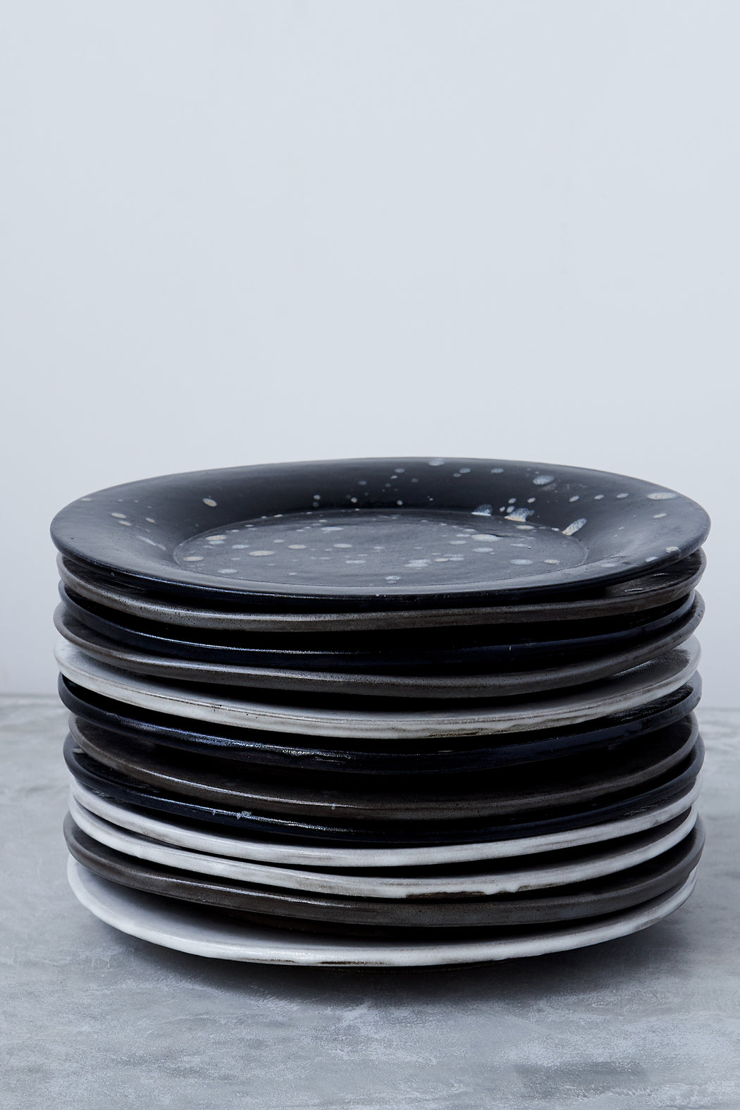 FD Pottery Black Drip Plate