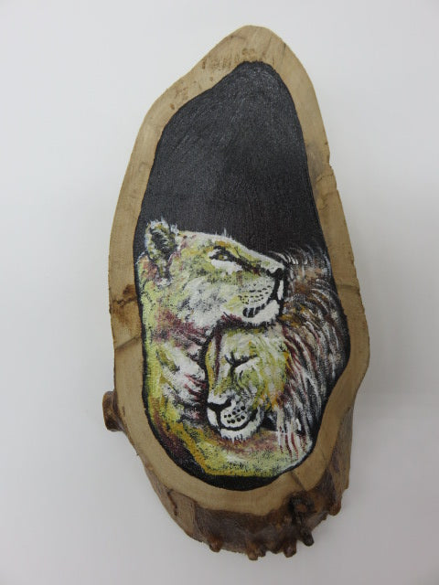 Lion Painting<br><span style='font-size:75%'>On Tree Slice<br>8.3 x 3.8 x 1.1'', 0.44 lbs</span>