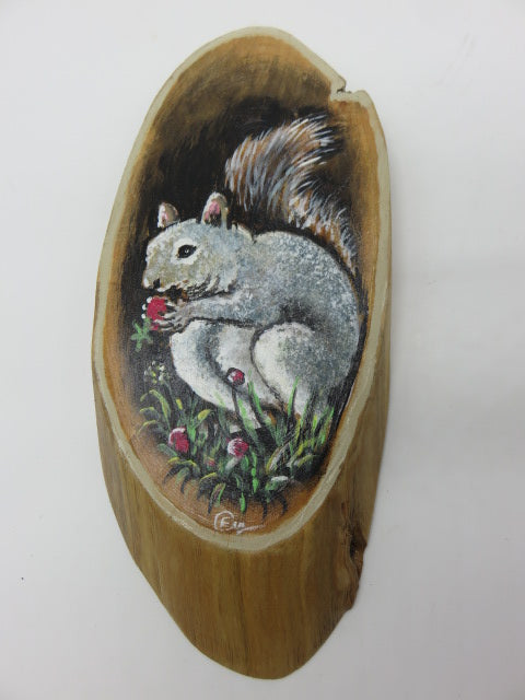 <span style='font-size:1em'>Hand Painted Squirrel</span><br><span style='font-size:0.7em'>On Tree Slice</span>