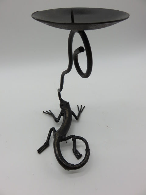 Lizzard Candle Holder<br><span style='font-size:75%'>9.1 x 7.5 x 5.1'', 1.04 lbs</span>
