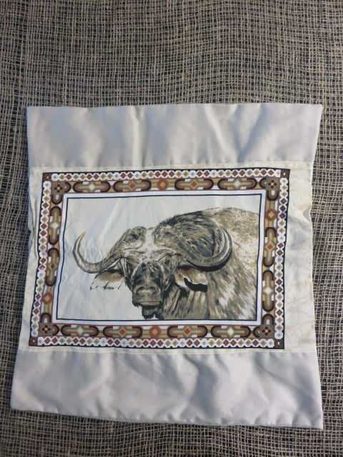 <span style='font-size:1em'>Cushion Cover</span><br><span style='font-size:0.7em'>Buffalo Print</span>