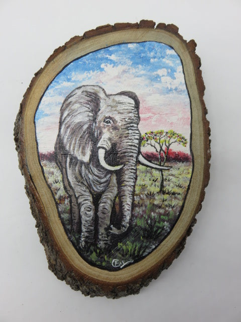 Elephant Painting<br><span style='font-size:75%'>On Tree Slice<br>8.26 x 6.29 x 1.57'', 0.81 lbs</span>