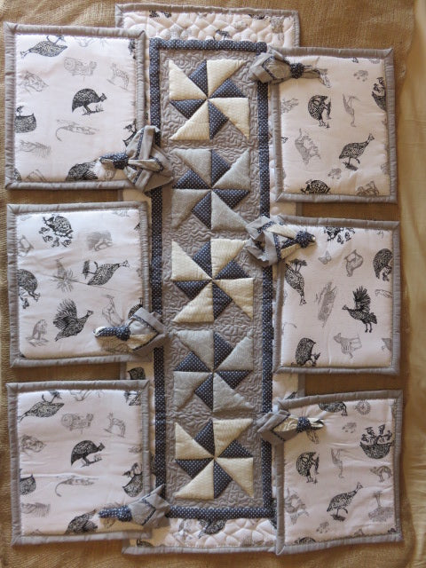 Guinea Fowl Print<br><span style='font-size:75%'>Padded Placemat Set<br>12.59 x 14.96'', 1.96 lbs</span>