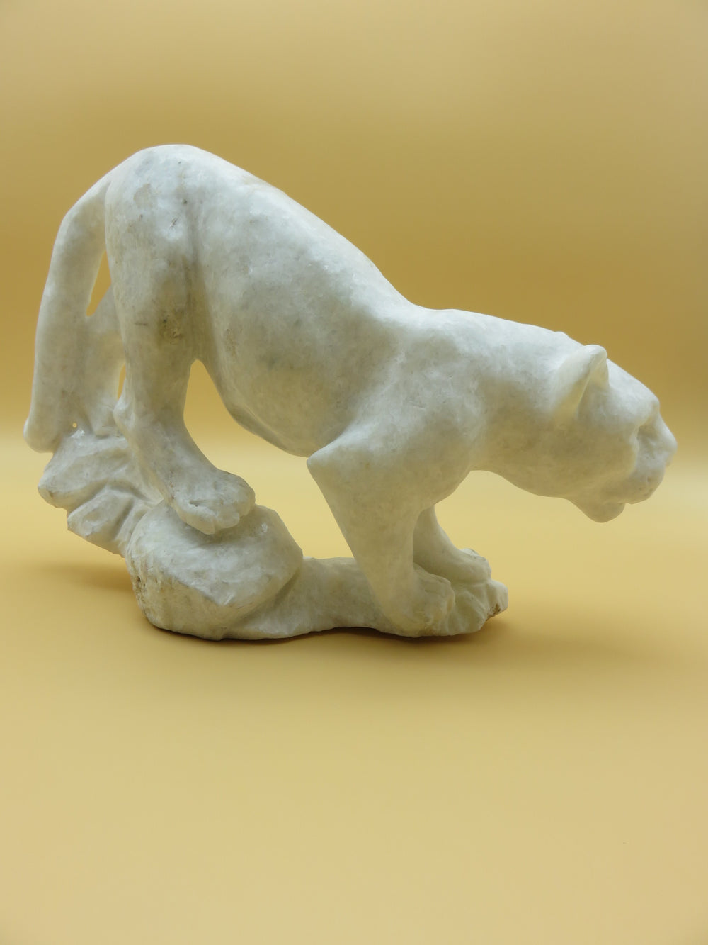 Hand Carved Jaguar<br><span style='font-size:75%'>from Dolomite Stone<br>8.46 x 13.38 x 3.54'', 11.79 lbs</span>