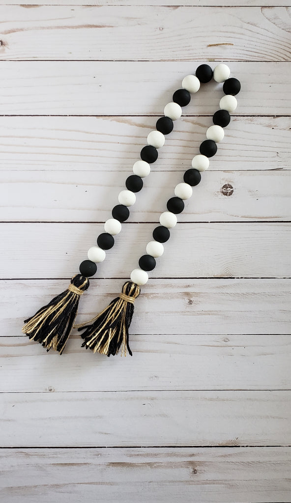 Black And White Bead Garland Verbena Farmhouse