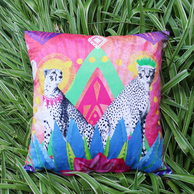 Festive Cheetah Explorer Cushion Cover