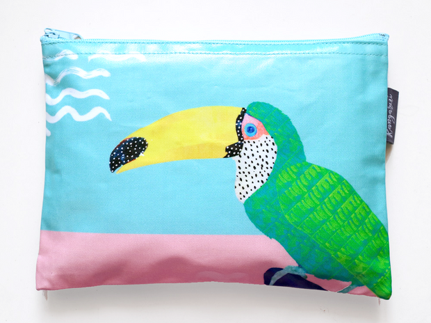 Chilling Toucan Pouch