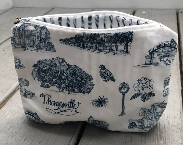 Toile of Thomasville™ Pouch - Medium
