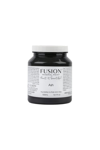 A pint (500 ml) container of Ash Fusion Mineral Paint.