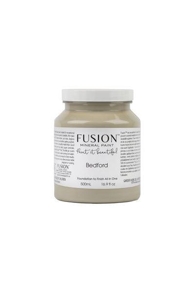 A pint (500 ml) container of Bedford Fusion Mineral Paint.