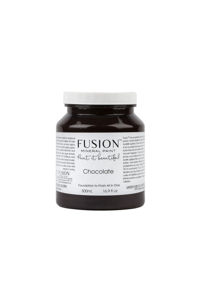 A pint (500 ml) container of Chocolate Fusion Mineral Paint.