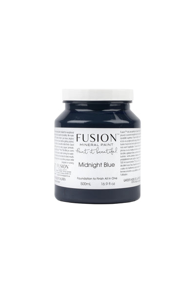 A pint (500 ml) container of Midnight Blue Fusion Mineral Paint.