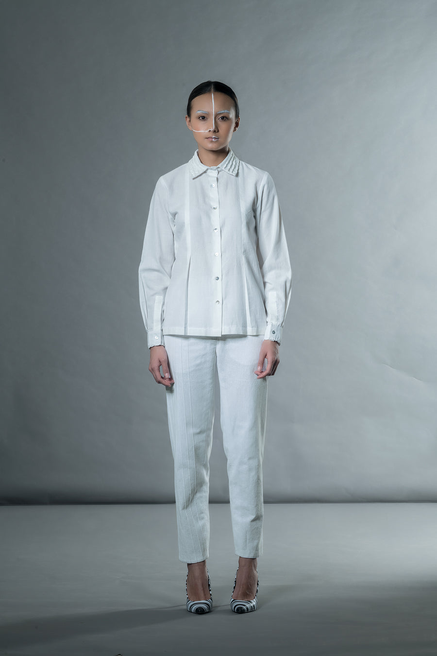 White Shirt with Shell Tucks Collar - Ethical made fashion - onlyethikal