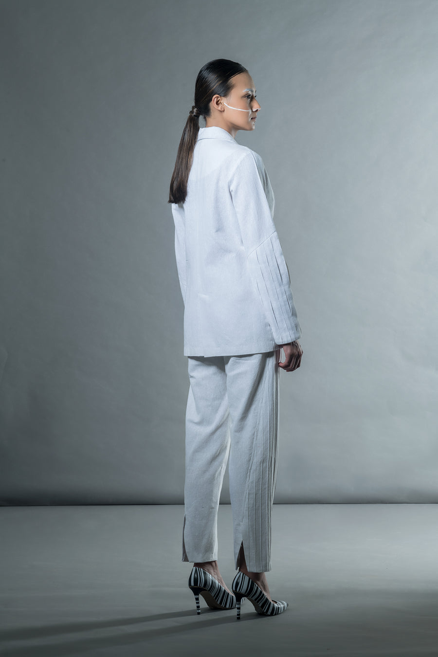 White jacket with box pleat cuffs - Ethical made fashion - onlyethikal