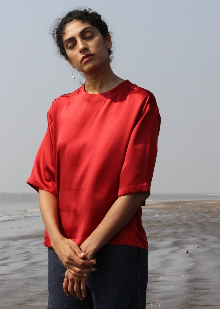 Boxy fit top in pure luxurious silk - onlyethikal