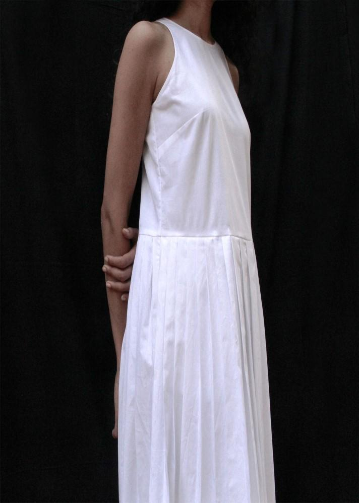 The Pleated White Dress - Ethical made fashion - onlyethikal