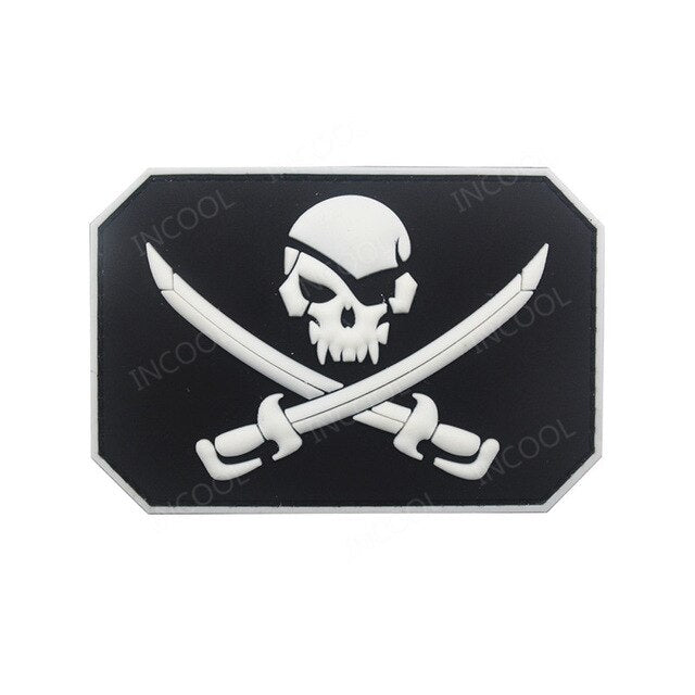 Pirate Skull Patches 3D PVC Military Tactical Combat Morale Patch Rubber Flag Biker Fastener Patches For Clothing Backpack Bags