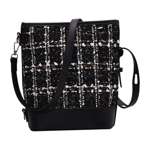 Retro lattice large capacity bucket cross body bag