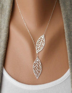 chic hollow-out double leaves pendant choker necklace
