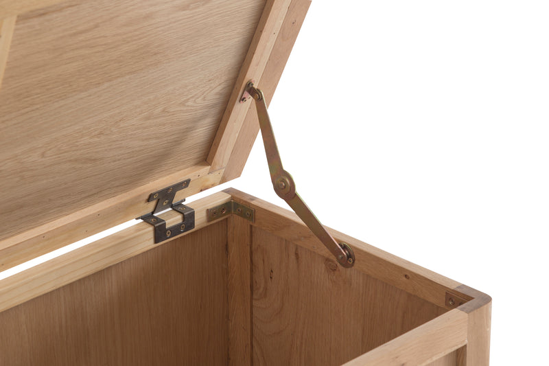 Newton Oak Blanket Box