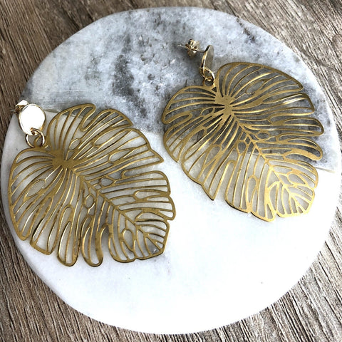 Monsterra Leaf Studs brass and gold stud