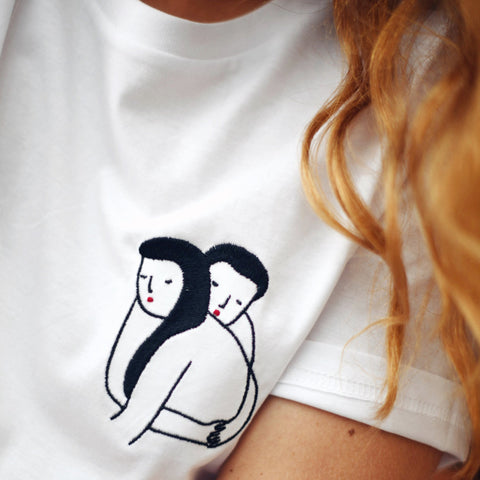 Copie de Embroidered T-shirt Amour Câlin