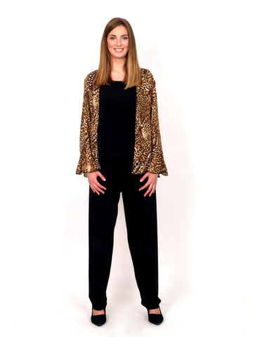 Set 3 pieces  trousers top jacket tiger print.
