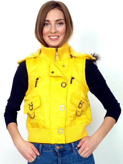 Warm yellow vest with faux fur.
