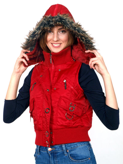 Warm- red -vest-with-faux-fur.