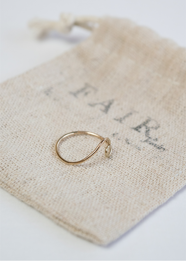 Fair Jewelry Tofino Wave Ring | Gold