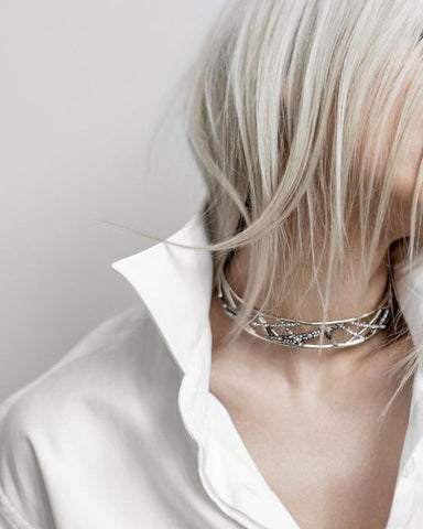 Upturned Collar with Choker