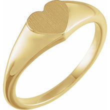Load image into Gallery viewer, 14K Gold Heart Signet Ring