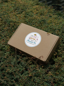 Mint and Cinnamon Gift Box for Normal to Oily Hair and Hair Growth with FREE Minty Body Wash