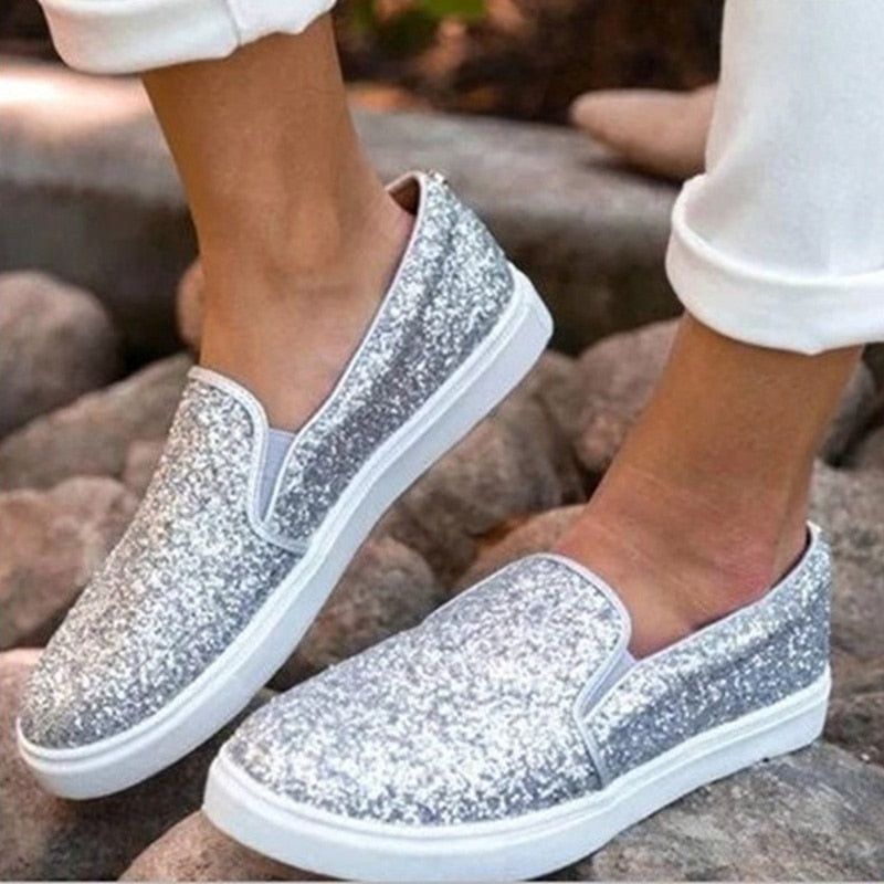 2020 New Women's Fashion Canvas Slip On Shiny Flats Shoes