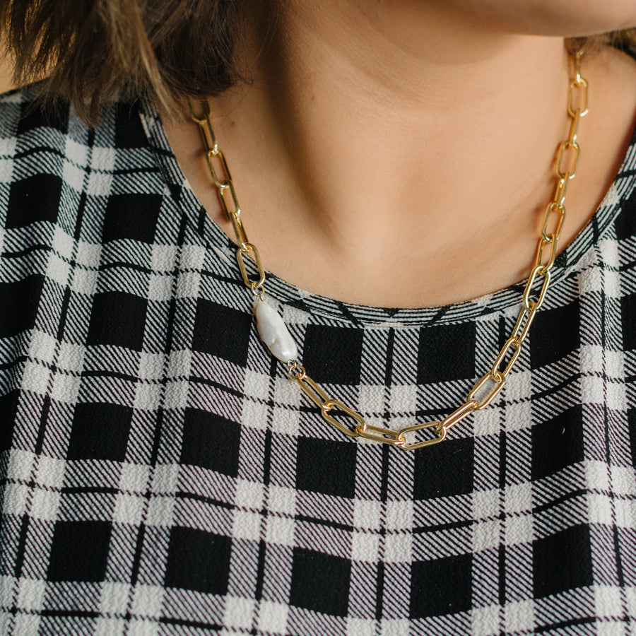 Emily in Paris • Necklace