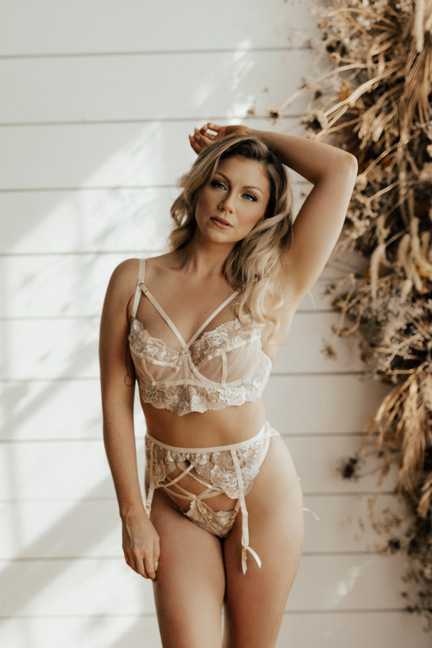 Grace Blush Embroidered Underwired Bra