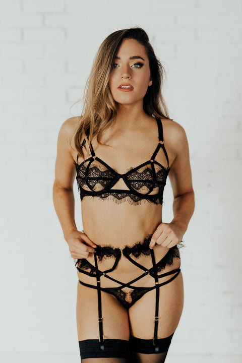 Chantal Lace Placement Cage Suspender