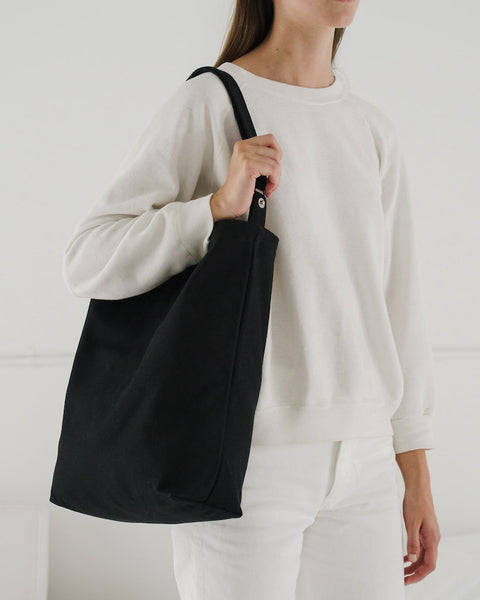 Baggu_Duck_Bag_16oz_Canvas_Black-02_Simple_Beautiful_Things