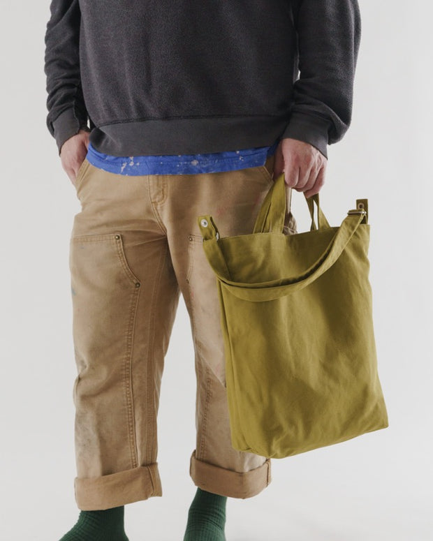 Baggu_Duck_Bag_16oz_Canvas_Spanish_Olive_03_Simple_Beautiful_Things