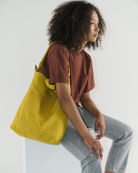 Duck_Bag_2_16oz_Canvas_Pear_02_Simple_Beautiful_Things