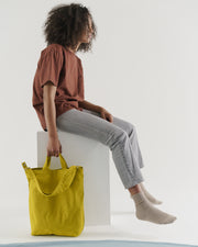 Duck_Bag_2_16oz_Canvas_Pear_03_Simple_Beautiful_Things
