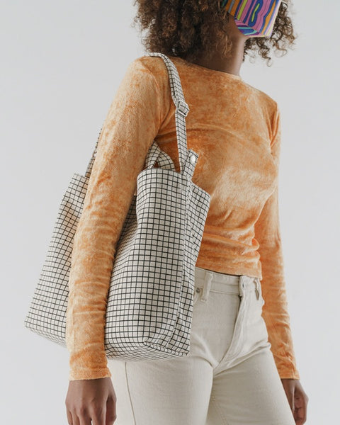 Horizontal_Duck_Bag_16oz_Canvas_Natural_Grid_02_Simple_Beautiful_Things