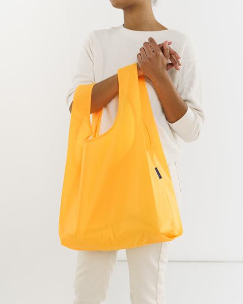Standard_Baggu_Ripstop_Electric_Saffron_06_Simple_Beautiful_Things