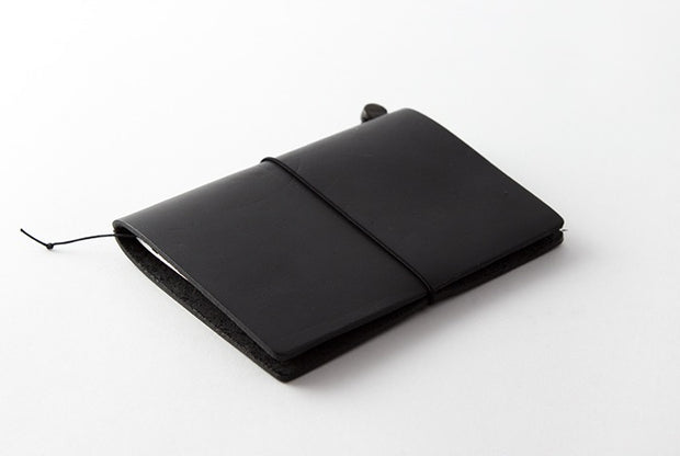 Traveler_s_Notebook_Passport_Black_Simple_Beautiful_Things