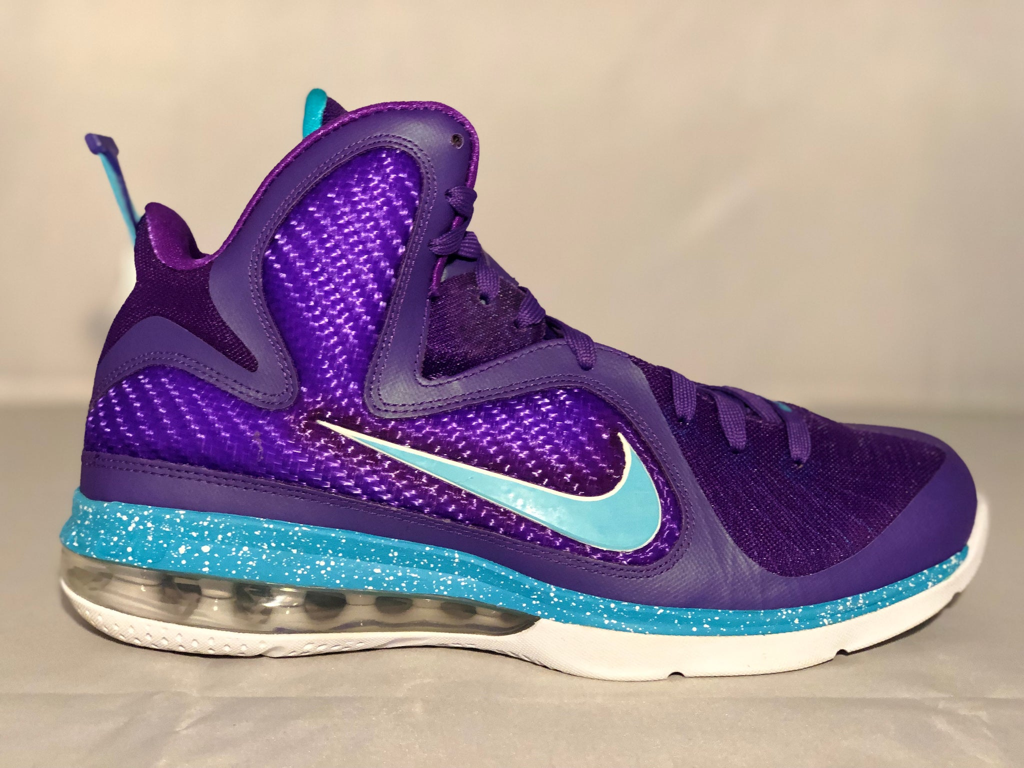 "best service 69ee9 fcc2b ... Load image into Gallery viewer, Nike LeBron 9 ""Summit Lake Hornets"" ..."