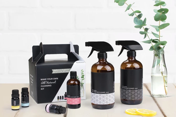Make Your Own All-Natural Cleaning Kit by Retrokitchen