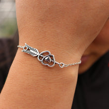 Load image into Gallery viewer, Double Heart Charm Bracelet