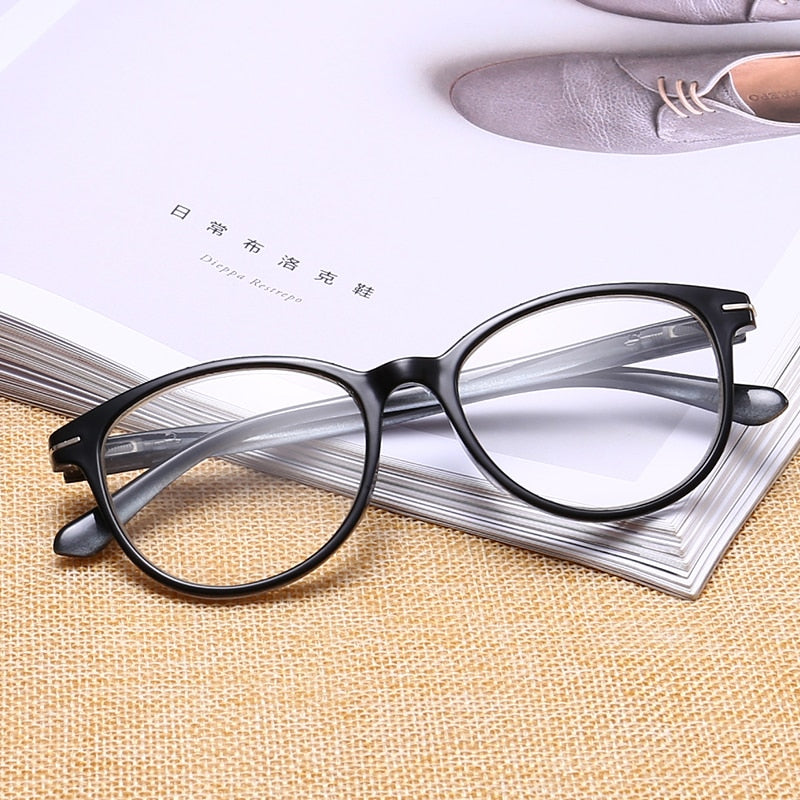 Ultralight Toughness Anti Fatigue PC Unbreakable Reading Glasses Men Women High Quality Presbyopic Eyeglasses TL18146-modlily