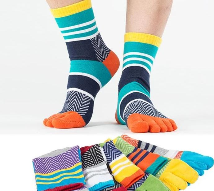 Free Size 1 pair free shipping Mens Summer Cotton Calcetines Striped Contrast Colorful men's socks Five Finger Socks-modlily