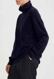 Serge Cashmere Turtle Neck - Darkest Navy